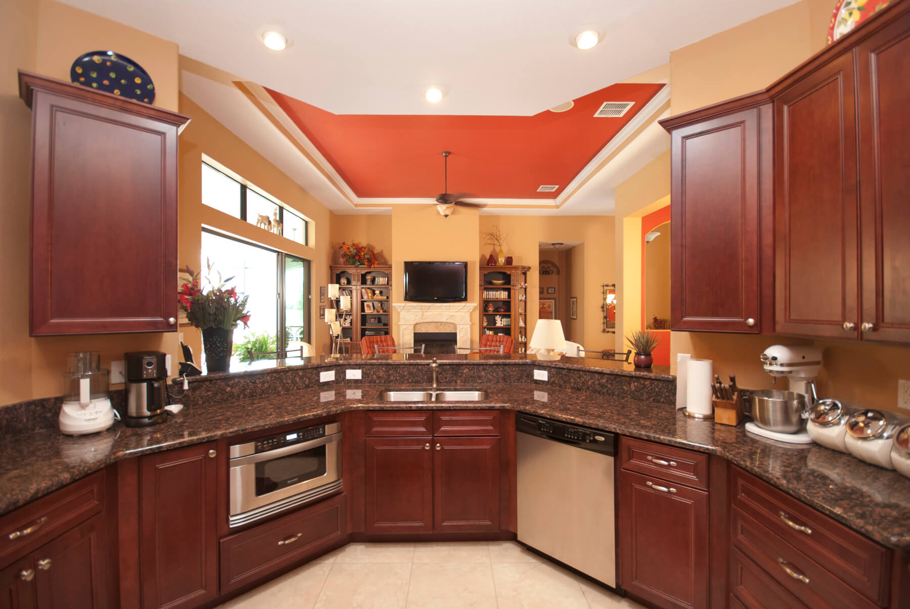 Harbor Hills Toscano_Kitchen2
